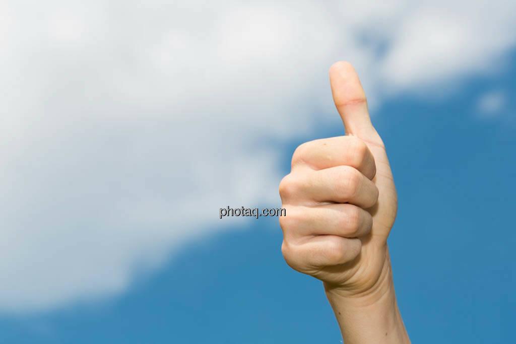 ok, Hand, Zustimmung, ja, Erfolg, Gratulation, thumbs up, © photaq/Martina Draper (08.07.2014)