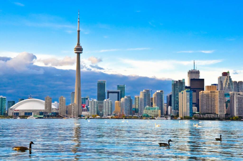 Toronto, Ontario, Kanada, Lake Ontario, http://www.shutterstock.com/de/pic-129812237/stock-photo-toronto-skyline.html , © (www.shutterstock.com) (10.07.2014)