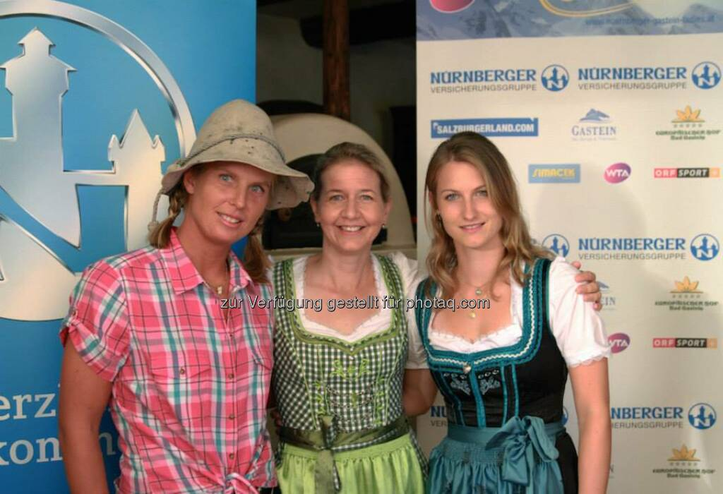 Sandra Klemenschits, Sandra Reichel, Lisa-Maria Moser Dirndl, &copy;  <a href=
