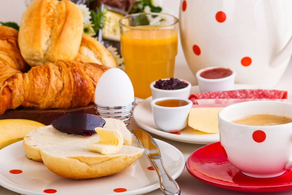 Frühstück, Österreich, Ei, food, http://www.shutterstock.com/de/pic-127156400/stock-photo-continental-breakfast-with-coffee-cheese-jelly-bread-rolls.html , © www.shutterstock.com (12.07.2014)