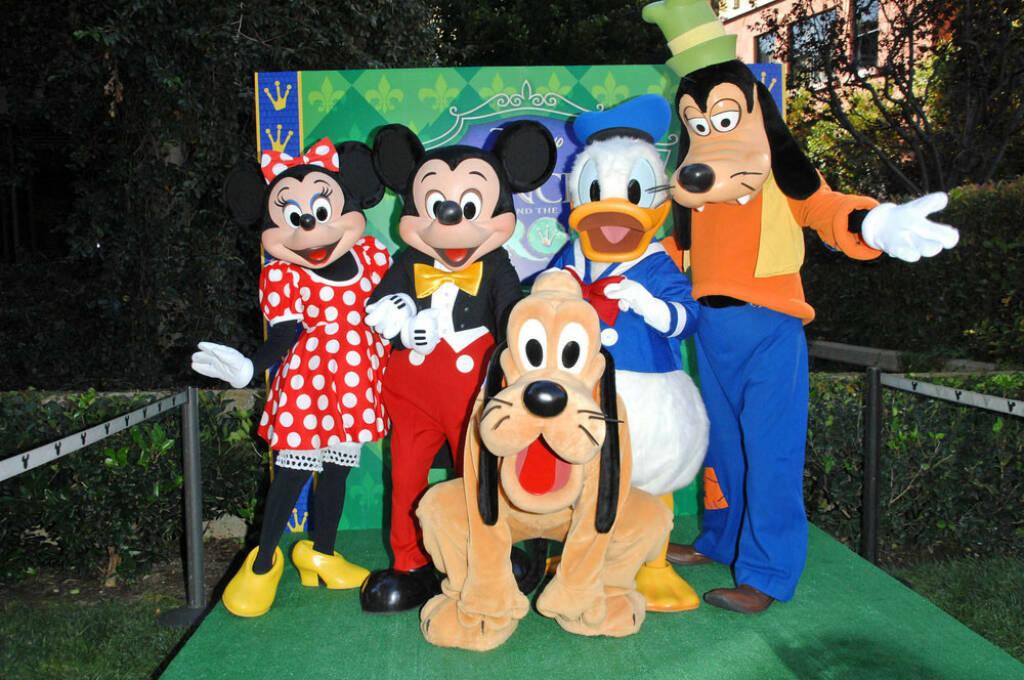 Walt Disney, Minnie, Mickey Maus, Pluto, Donald Duck, Goofy, <a href=http://www.shutterstock.com/gallery-842284p1.html?cr=00&pl=edit-00>s_bukley</a> / <a href=http://www.shutterstock.com/?cr=00&pl=edit-00>Shutterstock.com</a> , s_bukley / Shutterstock.com, © www.shutterstock.com (24.07.2014)