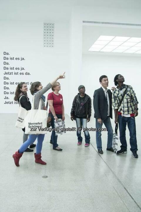 Schau! Hunger auf Kunst und Kultur: Mit den Kulturbuddies Hand in Hand zu Kulturveranstaltungen (c) OTS