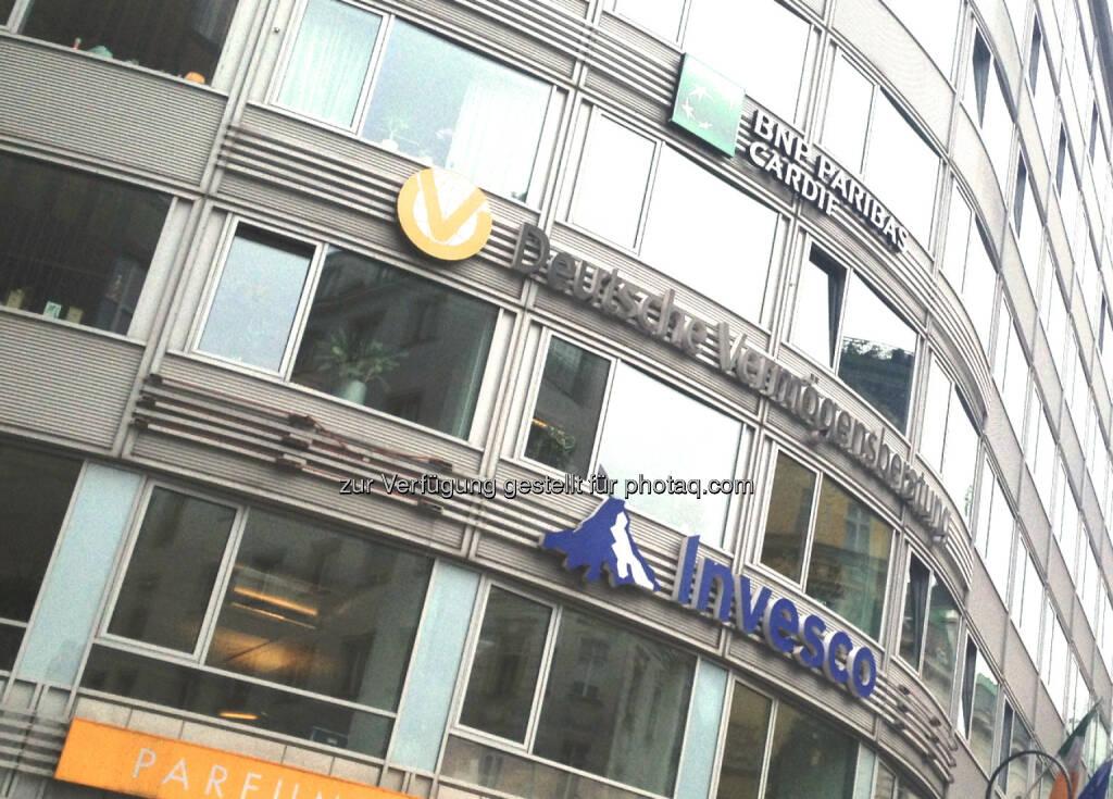 BNP Paribas, Deutsche Vermögensberatung, Invesco, © diverse Handypics mit freundlicher Genehmigung von photaq.com-Freunden (30.07.2014)