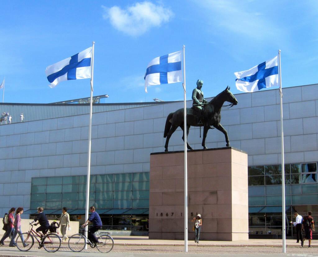 Helsinki, Finnland, Fahne, Flagge, <a href=http://www.shutterstock.com/gallery-1024723p1.html?cr=00&pl=edit-00>Leonard Zhukovsky</a> / <a href=http://www.shutterstock.com/?cr=00&pl=edit-00>Shutterstock.com</a> , Leonard Zhukovsky / Shutterstock.com, © shutterstock.com (04.08.2014)