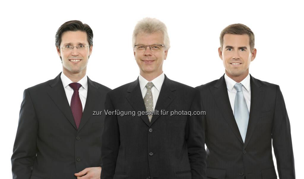 Franz Urlesberger (Partner), Peter Madl (Partner) und Roman Perner (Partner), Schönherr, haben den österreichischen Pharmagroßhändler Jacoby Pharmazeutika AG bei seiner Fusion mit der gm pharma GmbH beraten (Foto: Schönherr) (15.01.2013)