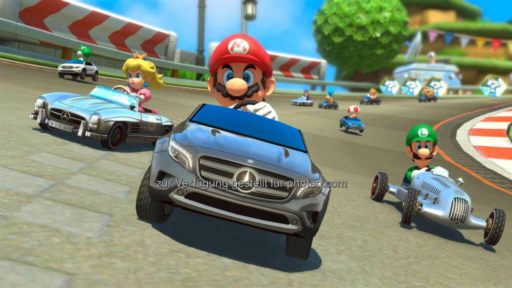 Mercedes-Benz im neuen Nintendo Wii U Rennspiel Mario Kart 8: hier Mercedes-Benz W 25 Silberpfeil, GLA & 300 SL Roadster, © Aussendung (06.08.2014)