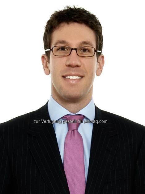 Partner Florian Kusznier (Corporate/M&A): Schönherr hat Ashland Inc. zu den österreichischen Aspekten des Verkaufs ihrer Wassertechnologie-Sparte an den Private Equity Fonds Clayton, Dubilier & Rice (CD&R) beraten. Die Transaktion hat einen Wert von rund USD 1,8 Mrd.  (06.08.2014)
