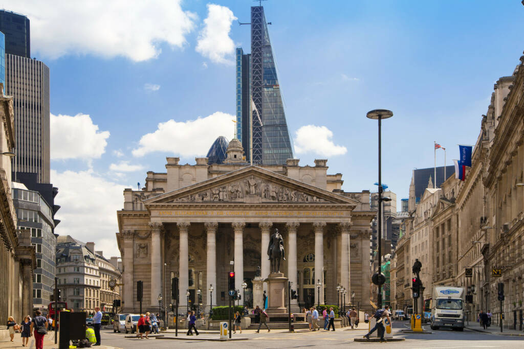 Royal exchange, Bank of England square, BoE  <a href=http://www.shutterstock.com/gallery-321952p1.html?cr=00&pl=edit-00>IR Stone</a> / <a href=http://www.shutterstock.com/?cr=00&pl=edit-00>Shutterstock.com</a>, © www.shutterstock.com (17.01.2018)