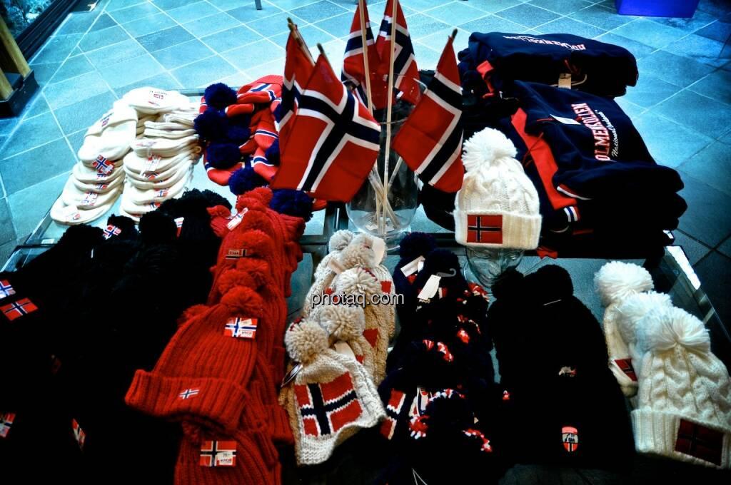 Norwegen, Mützen, Wimpel, © photaq.com (08.08.2014)