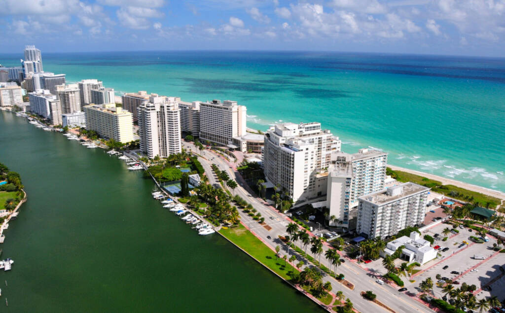 Miami, Floria, USA, http://www.shutterstock.com/de/pic-109905860/stock-photo-aerial-view-of-miami-south-beach-florida-usa.html , © (www.shutterstock.com) (09.08.2014)