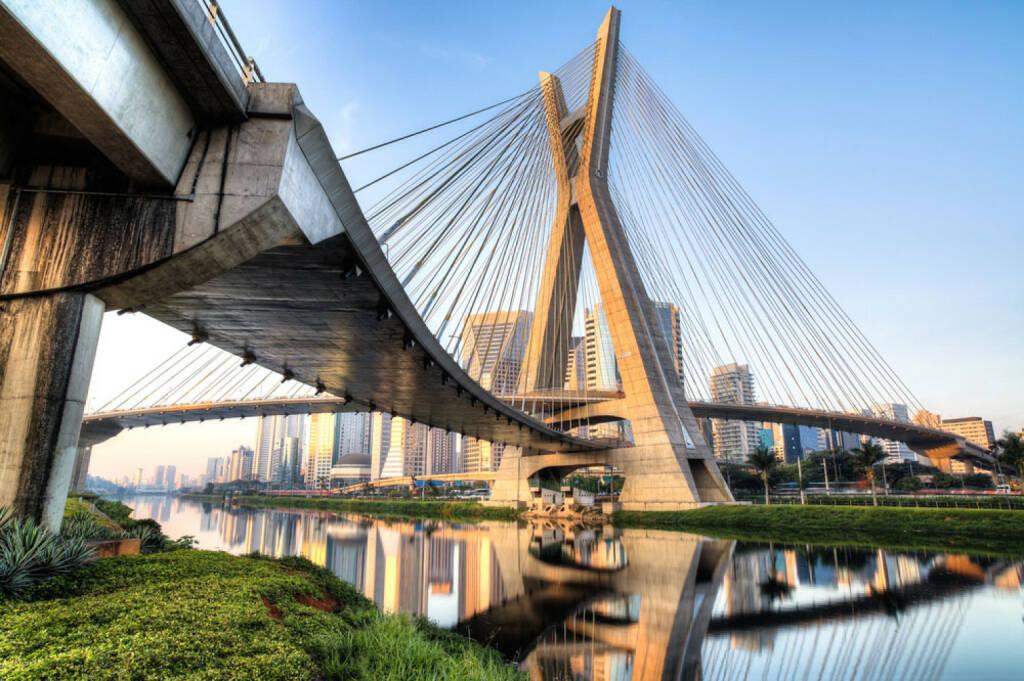 Sao Paulo, Brasilien, Octavio Frias Brücke, http://www.shutterstock.com/de/pic-152157374/stock-photo-sao-paulo-brazil-octavio-frias-bridge-south-america.html, © (www.shutterstock.com) (09.08.2014)