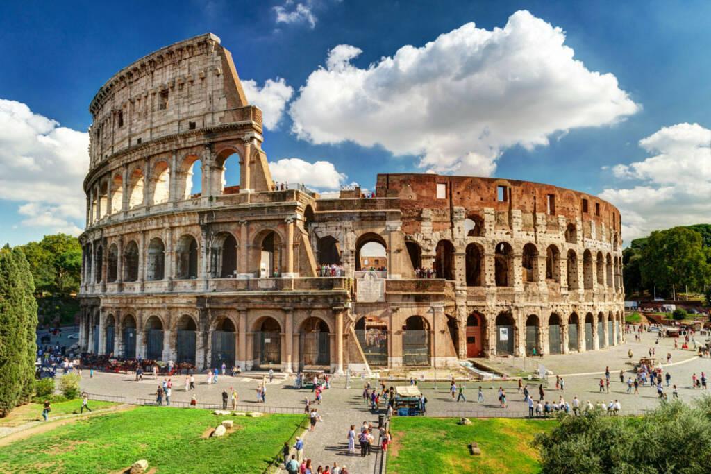 Kolosseum, Rom, Italien, http://www.shutterstock.com/de/pic-147643964/stock-photo-colosseum-in-rome-italy.html, © shutterstock.com (09.08.2014)