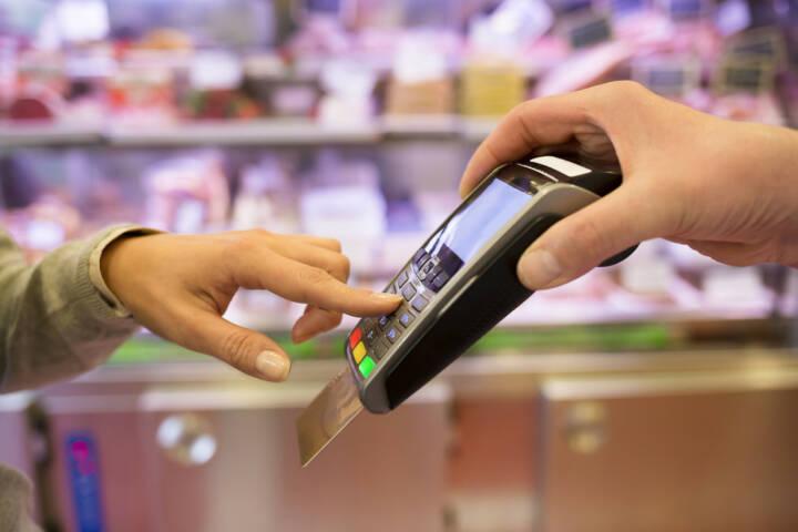 Beim Rechnungskauf fallen keine Transaktionsgebühren an. Je nach Händler werden nach wie vor solche Gebühren für das Bezahlen über einen der Online-Bezahldienste wie PayPal berechnet.4/5().