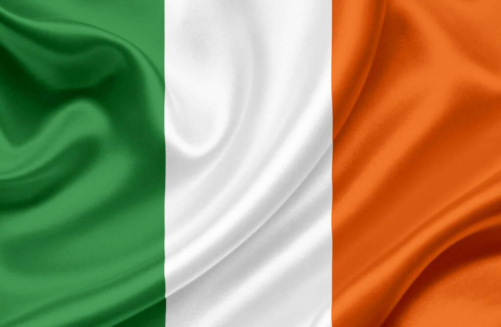 Irland, Flagge, http://www.shutterstock.com/de/pic-100853569/stock-photo-ireland-waving-flag.html, © www.shutterstock.com (18.03.2018)