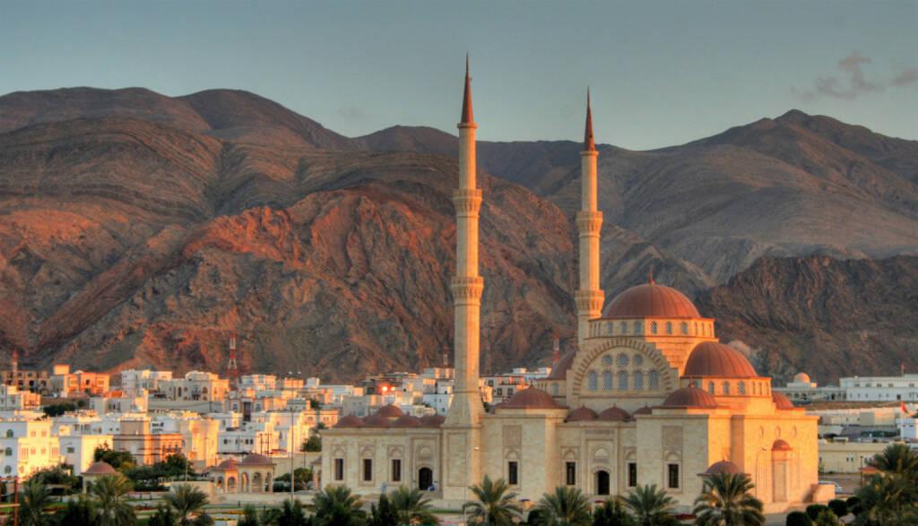 Maskat, Oman, http://www.shutterstock.com/de/pic-140772187/stock-photo-grand-mosque-of-muscat-oman.html, © (www.shutterstock.com) (11.08.2014)