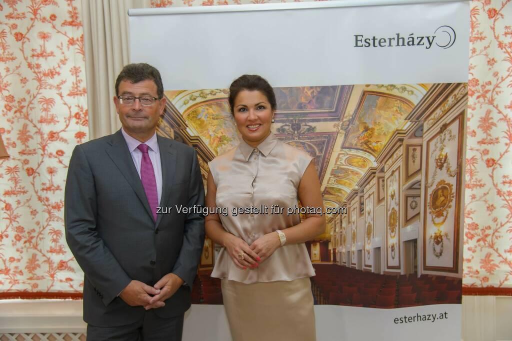 Anna Netrebko übernimmt Patronanz für Kinderoper im Schloss Esterházy: Stefan Ottrubay, Anna Netrebko, © Aussender (12.08.2014)
