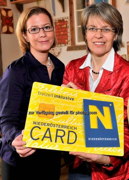 Marion Boda, Geschäftsführerin der Niederösterreich-Card und Tourismuslandesrätin Petra Bohuslav: Niederösterreich-Card steuert auf Rekordjahr zu, © Aussender (14.08.2014)