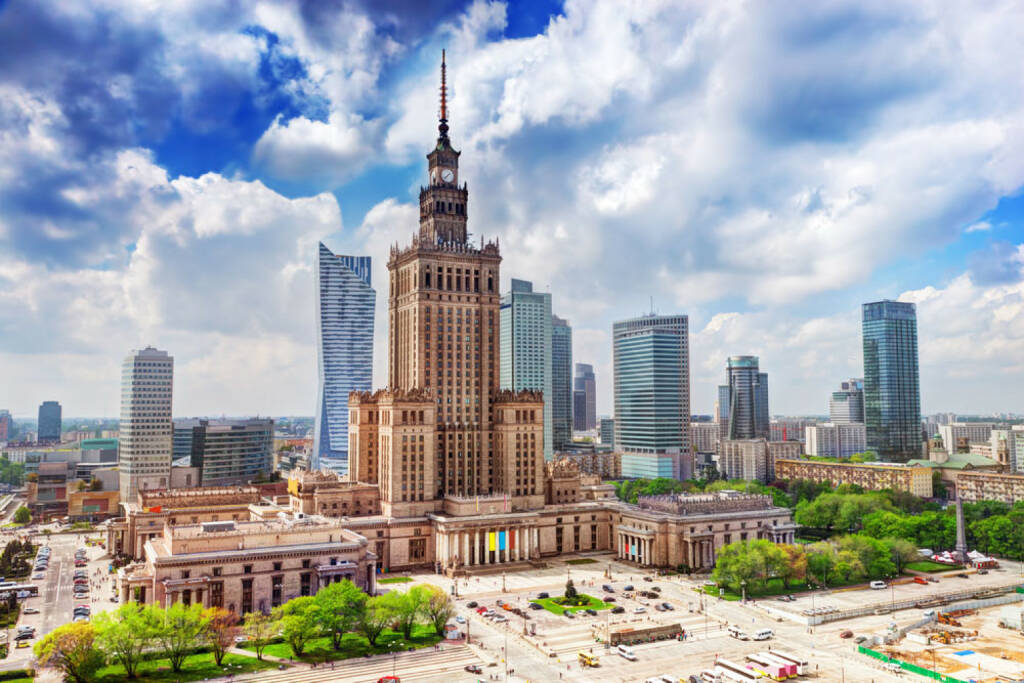 Warschau, Polen, http://www.shutterstock.com/de/pic-190990370/stock-photo-warsaw-poland-aerial-view-palace-of-culture-and-science-and-downtown-business-skyscrapers-city.html, © shutterstock.com (15.08.2014)