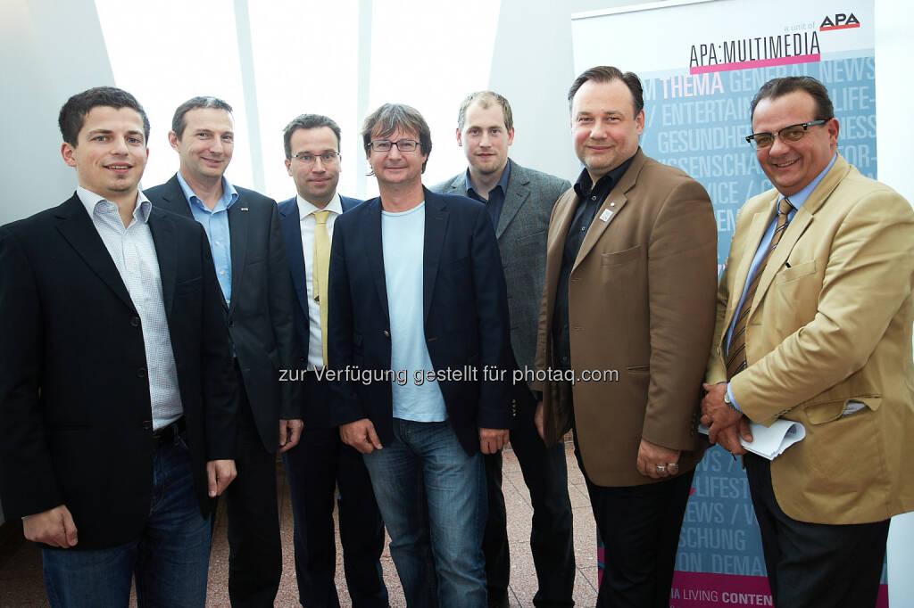 Michael Wunderer (Dimension Data), Gerald Innerwinkler (APA-IT), Johannes Kopf (AMS Österreich), Christian Huemer (TU Wien), Florian Eckkrammer (FH Technikum), Martin Matyus (WKO) und Thomas Stern (Moderator, Braintrust) - APA-MultiMedia: App-Entwickler und Data Scientists: Auf der Spur der IT-Jobs von morgen (Bild: APA-Fotoservice/Preiss) (23.08.2014)