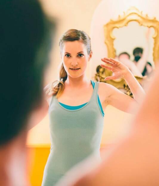 Monika Kletzmayr Yoga im Spiegel (c) Marija Kanizaj , © diverse Handypics mit freundlicher Genehmigung von photaq.com-Freunden (29.08.2014)