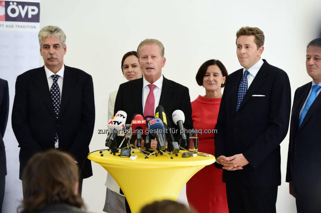 Hans Jörg Schelling, Reinhold Mitterlehner, Harald Mahrer (Bild: ÖVP/Andreas Röbl) (31.08.2014)