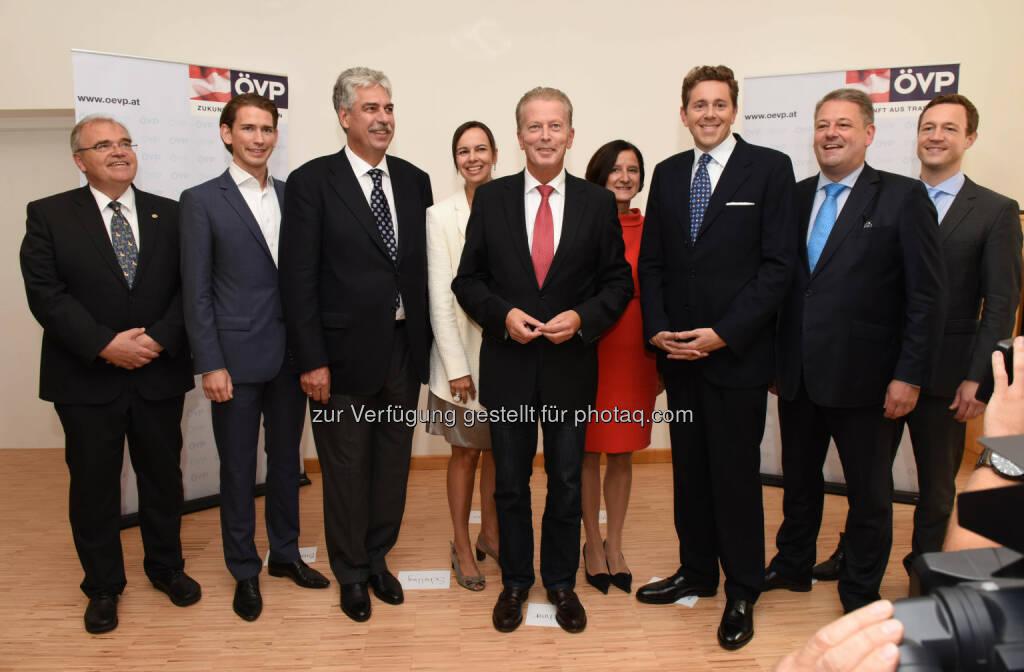 Das neue ÖVP Team um ÖVP-Chef Reinhold Mitterlehner. (Bild: ÖVP/Andreas Röbl) (31.08.2014)