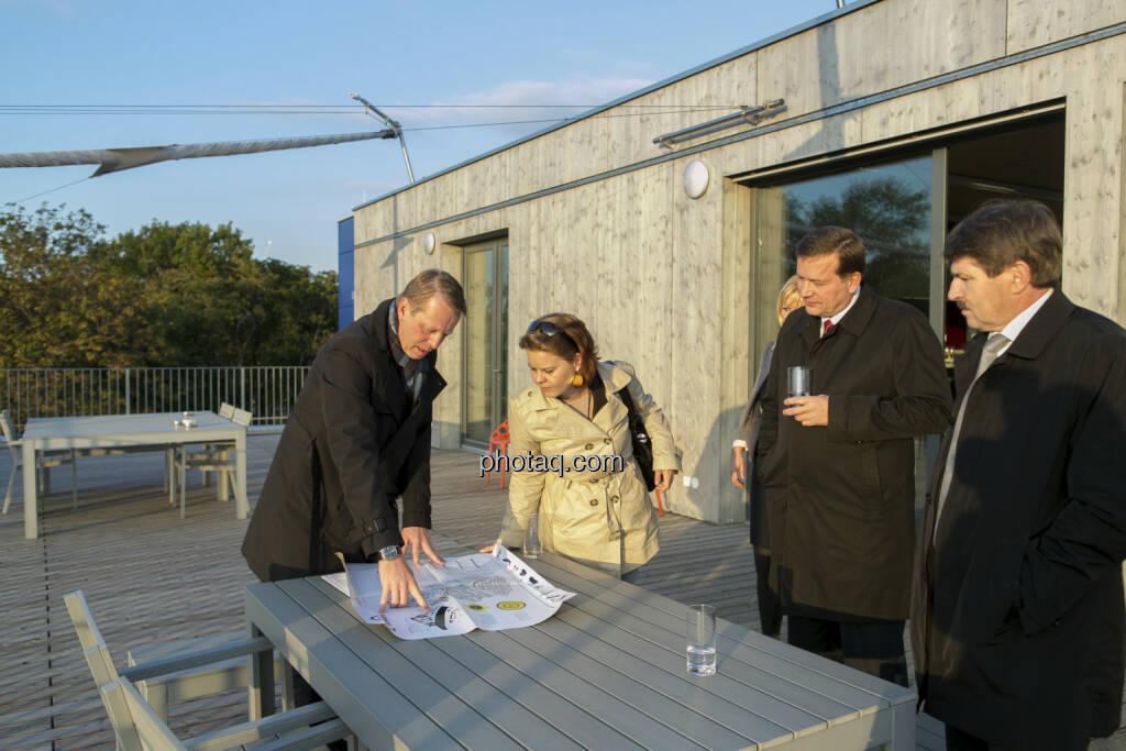 Friedrich Wachernig (S Immo), Holger Schmidtmayr (S Immo), Ernst Vejdovszky (S Immo)  , © Martina Draper (15.12.2012)