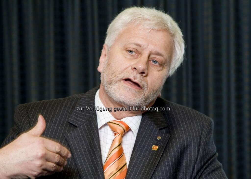 Friedrich Schneider vom Institut für Volkswirtschaftslehre der Johannes Kepler Universität (JKU) Linz ist Experte für Korruption und Schwarzarbeit., © Aussender (08.09.2014)