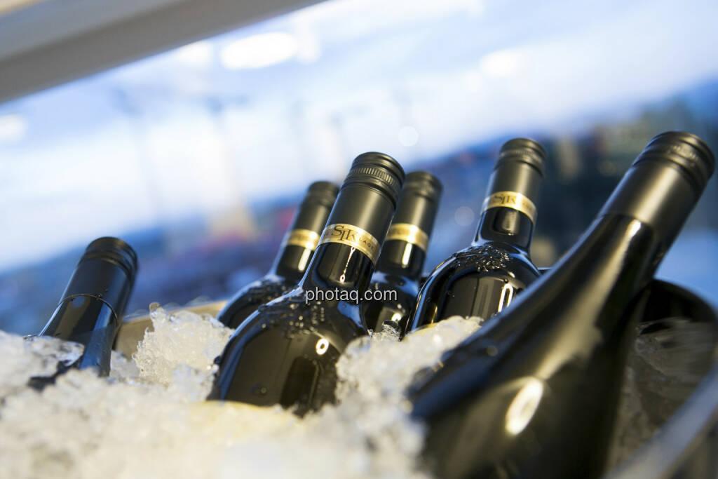 25 Jahre S Immo, Weinflaschen, © Martina Draper (15.12.2012)