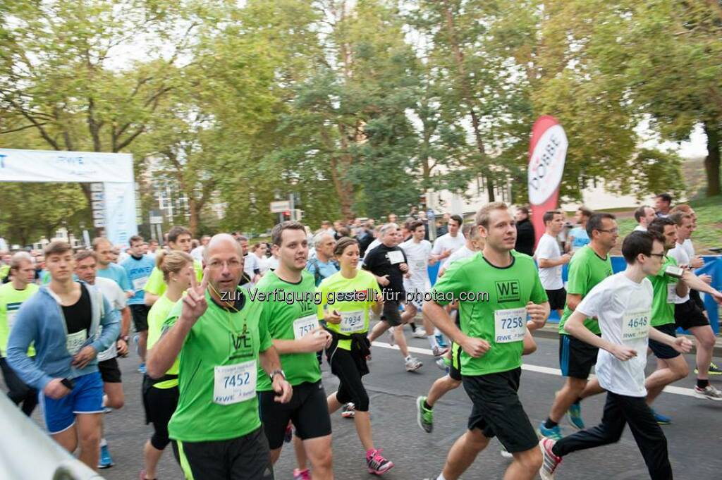 Essen in Grün - gestern haben über 300 #ThyssenKrupp-Mitarbeiter am Essener Firmenlauf teilgenommen. WE are #ThyssenKrupp!  Source: http://facebook.com/ThyssenKruppCareer, © Aussendung (11.09.2014)