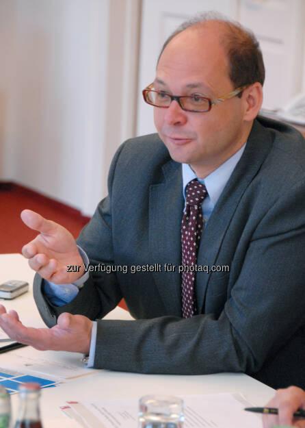 Karl Wöber, Rektor der Modul University Vienna, lud 96 hochkarätige TourismusmanagerInnen aus 26 Nationen zum jährlichen TourMIS Anwender-Workshop in die Universitätsräumlichkeiten der internationalen Privatuniversität auf den Kahlenberg., © Aussendung (13.09.2014)