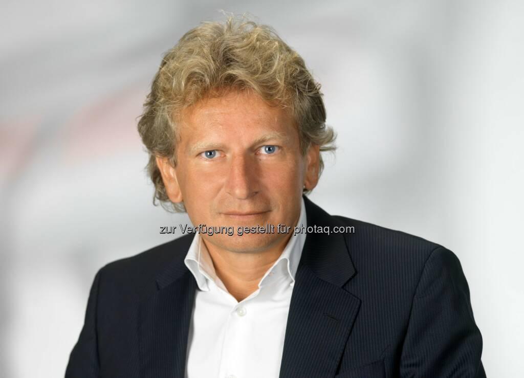 Gerhard Riedler, Geschäftsführung Mediaprint und Krone Multimedia: Die Krone pfeift eine neue Ära der digitalen Fußball-Berichterstattung an und baut ihren Video-Content im Sportsegment massiv aus. , © Aussender (13.09.2014)