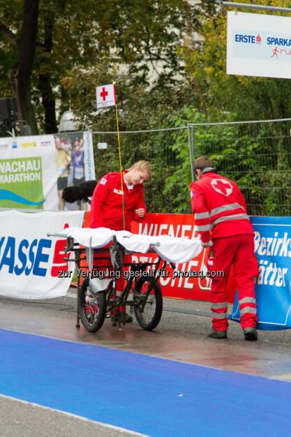 Sanitäter, Wachau Marathon 2014, © Milena Ioveva  (14.09.2014)