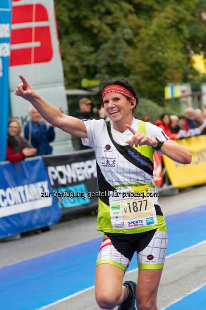 Winkler Monika, 3. Platz, Viertelmarathon Damen, Wachau Marathon 2014, yes, Freude, Jubel, © Milena Ioveva  (14.09.2014)