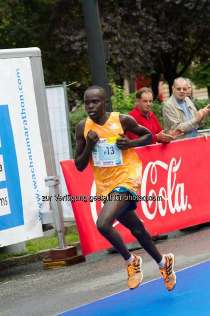 Ngeny Fredrich-Kipchumba, 4. Platz Halbmarathon Herren, Wachau Marathon 2014, © Milena Ioveva  (14.09.2014)