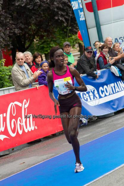 Chelimo Joan, Siegerin Wachau Halbmarathon Damen, Wachau Marathon 2014, © Milena Ioveva  (14.09.2014)