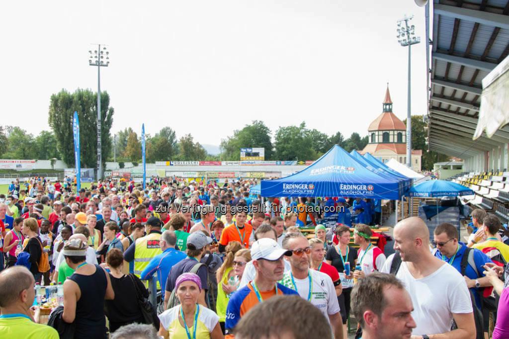 Zielverpflegung, Wachau Marathon 2014, © Milena Ioveva  (14.09.2014)