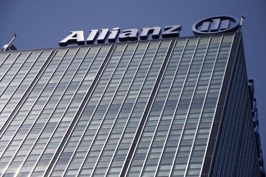 Allianz, Logo <a href=http://www.shutterstock.com/gallery-320989p1.html?cr=00&pl=edit-00>360b</a> / <a href=http://www.shutterstock.com/editorial?cr=00&pl=edit-00>Shutterstock.com</a>, © www.shutterstock.com (15.09.2014)