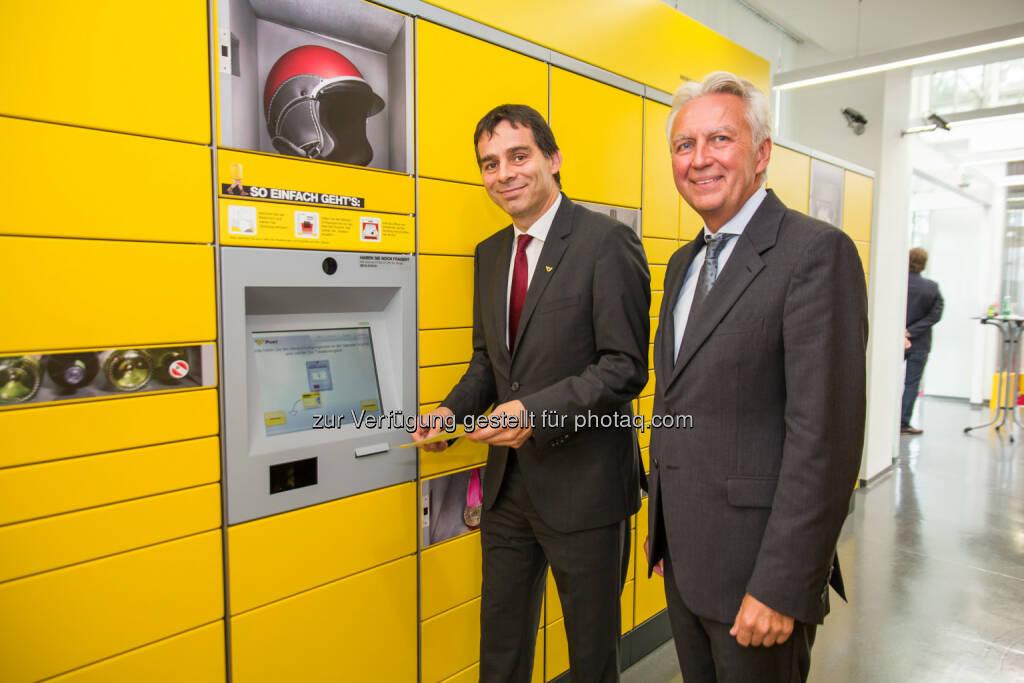 Peter Umundum, Gerhard Luftensteiner - Keba AG: Österreichische Post installiert 100. Abholstation von Keba (Bild: Keba AG/APA-Fotoservice/Greindl) (15.09.2014)