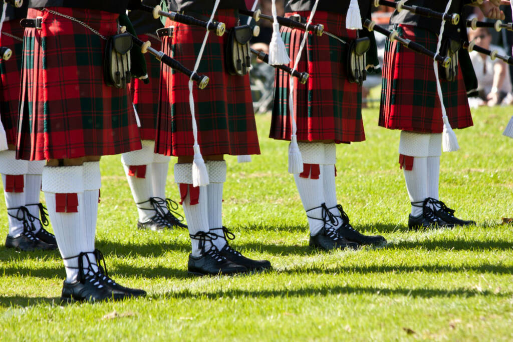 Schottland, Schottenrock, Dudelsack http://www.shutterstock.com/de/pic-63099001/stock-photo-detail-of-original-scottish-kilts-during-highlands-games.html, © shutterstock.com (22.09.2014)