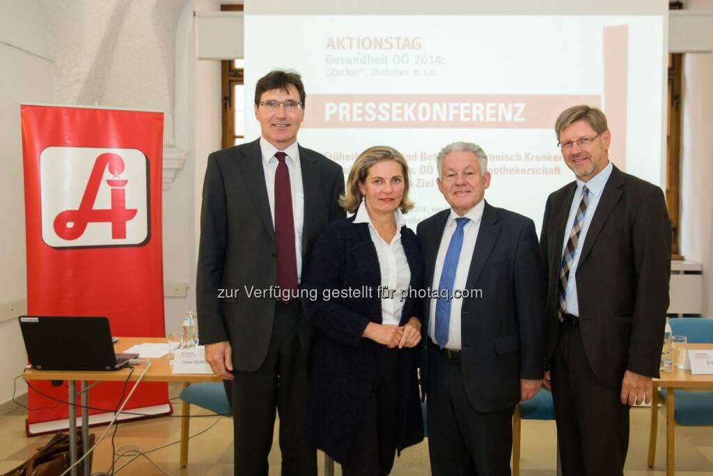 Franz Kiesl, Ulrike Mursch-Edlmayr, Josef Pühringer und Erwin Rebhandl: Apothekerkammer Oberösterreich: Aktionstag Gesundheit OÖ 2014 (23.09.2014)