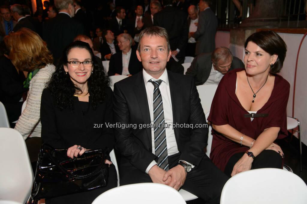 Tatjana Oppitz (IBM Chefin), Marcus Grausam (A1 Technikvorstand) und Elisabeth Grausam., © Telekom Austria Group / Rainer Eckharter (24.09.2014)