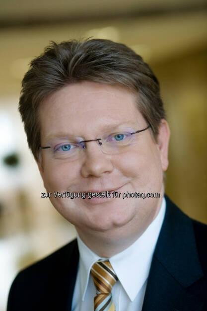Arndt Neuhaus, Vorstandsvorsitzender der RWE Deutschland AG:  Pilotprojekt mit zehn Haushalten in Mülheim an der Ruhr, © Aussender (24.09.2014)