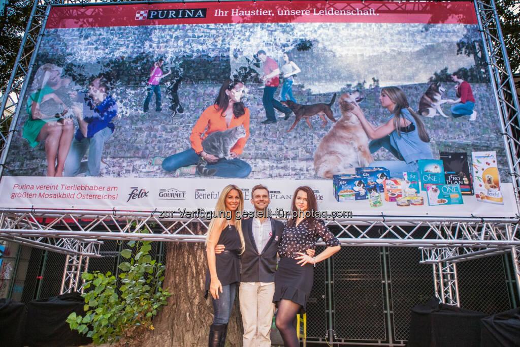 Yvonne Rueff, Vadim Garbuzov, Roxanne Rapp: Premiere: Purina enthüllt das größte Mosaikfoto Österreichs, © Aussender (25.09.2014)