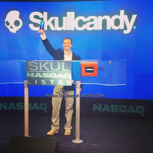 .@SkullCandy receives the @NASDAQ Crystal! #skullcandy $SKUL  Source: http://facebook.com/NASDAQ (26.09.2014)