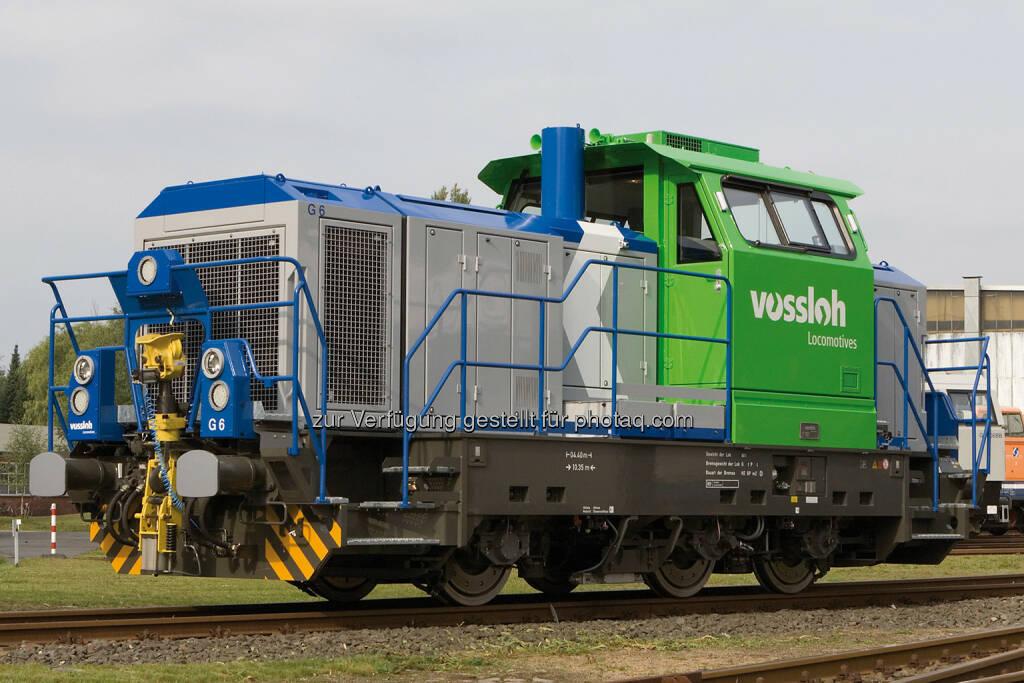 Vossloh Diesellokomotive der Baureihe G 6 - Diese Rangierlokomotive ist eine einfache und robuste Konstruktion, optimiert für den Rangiereinsatz in lokalen Netzen. Sie erfüllt die neuen gesetzlichen Normen und die EBO-Zulassungsanforderungen. (Bild: Vossloh, http://www.vossloh.com/de/press/press_photos/press_photos.html ), © photaq.com (29.09.2014)