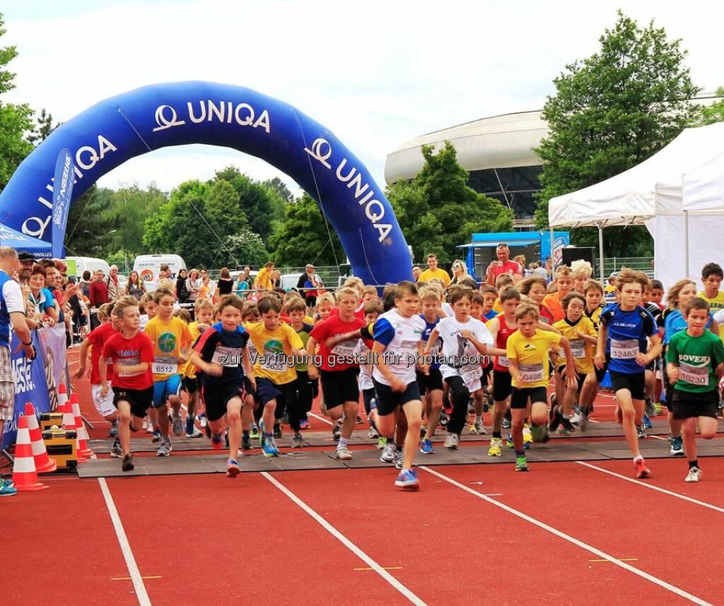 Uniqa: Heute geht es rund in Eisenstadt, denn die Schulen im Burgenland sind die ersten, die heuer beim Nestlé Schullauf an den Start gehen. Vor Ort gibt es für die Kinder und Jugendlichen auch ein tolles Aufwärm-Programm mit einem UNIQA VitalCoach. Wir wünschen den Läufern alles Gute und viel Spaß. www.bit.ly/UNIQA_Schullauf  Source: http://facebook.com/uniqa.at, © Aussendung (30.09.2014)