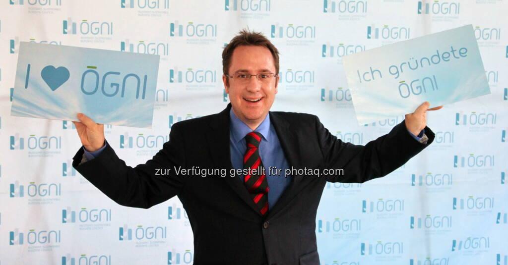 Gründungspräsident Philipp Kaufmann freut sich über das fünfjährige Bestehen der Ögni, © Aussender (30.09.2014)