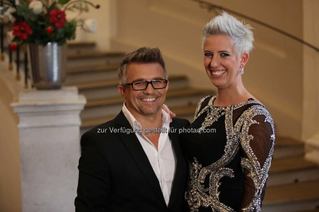 Nackt - Bernia und Mario aus Graz (Bild: Shinyside Productions) (01.10.2014)