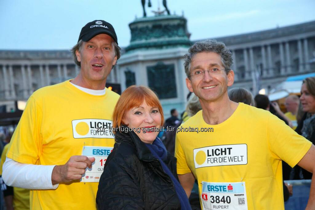 Croma-Kommunikator Oliver Stamm, Chris Lohner, Rupert Roniger, Geschäftsführer von Licht für die Welt, © leisure/Ludwig Schedl (02.10.2014)